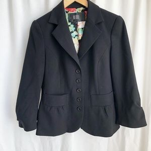 Bedo black five button blazer with front pockets